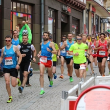 Staffeln überzeugen beim Nachtmarathon