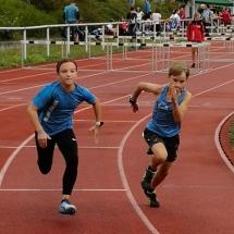 Lahn-Dill-Einzelmeisterschaften - Amelie stark über die Hürden